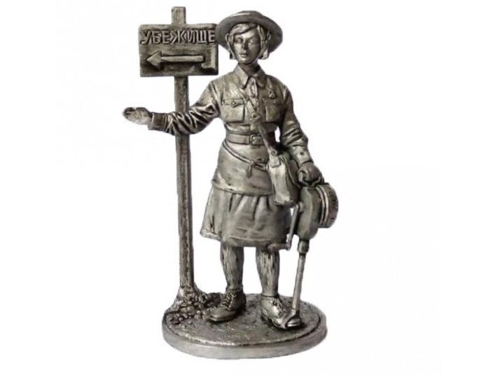 Фигура оловянная Девушка – инструктор МПВО с ручной сиреной, 1941-44 гг. СССР WWII-35